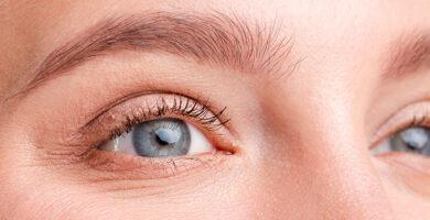 Contorno de ojos para mirada envejecida