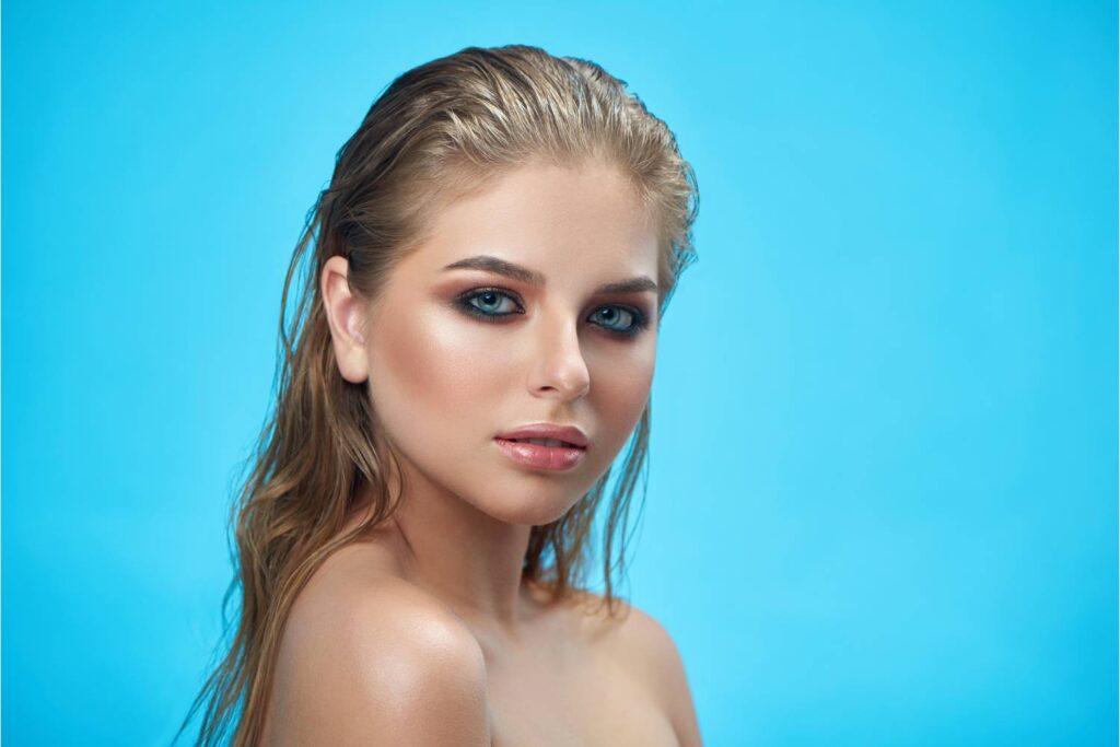 maquillaje de ojos azules